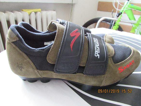 вело обувки SPECIALIZED витринни