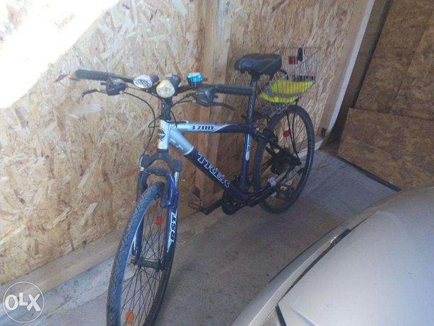 Vand bicicleta Trek 3700 Disc )