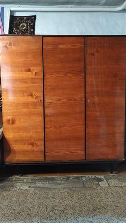 Шкаф (шифоньер) с зеркалом