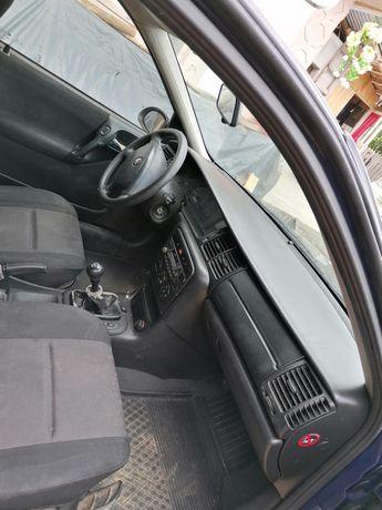 Vând Opel Vectra b