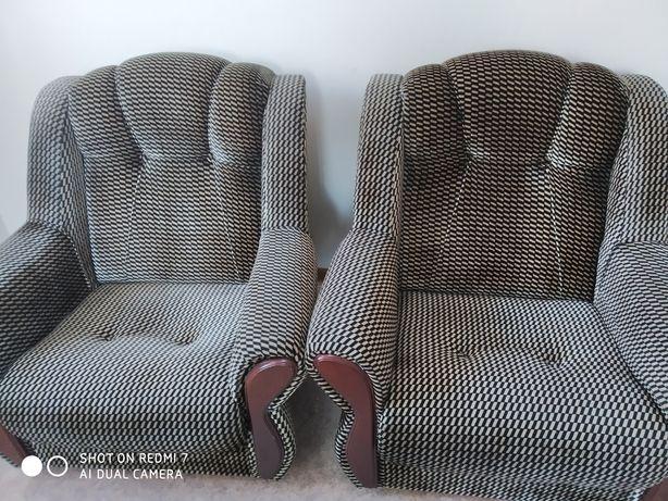 Продам два кресла б/у по 15 000 тыс.
