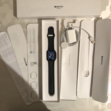 Продам Apple Watch 3 42mm