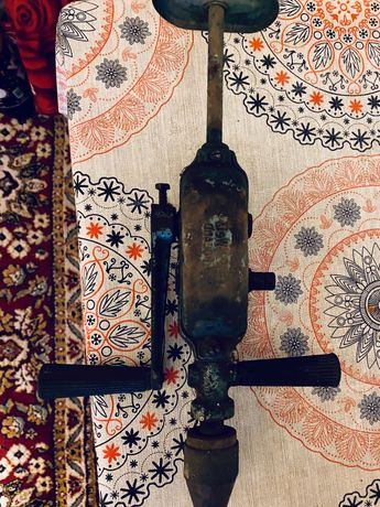 Ретро механична бормашина дрелка маткап