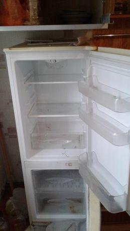 Холодильник.            .