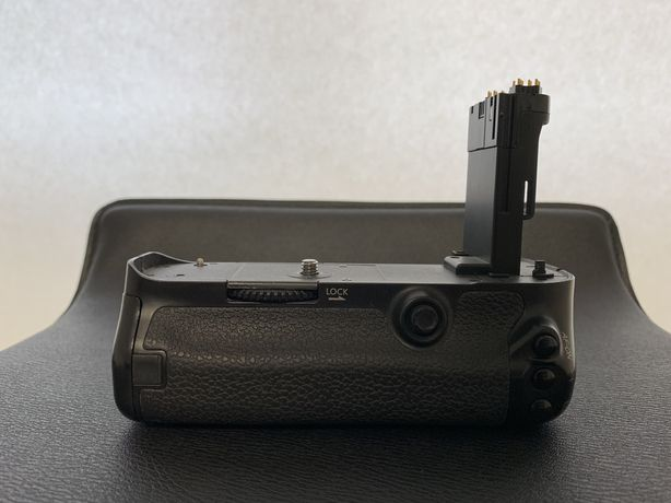 Grip Travor pentru Canon 5D Mark III