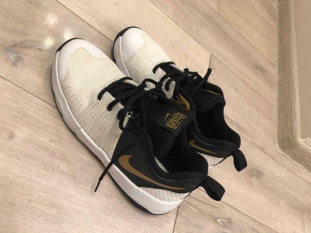 Adidasi baschet Nike
