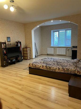 Сдам уютную квартиру в хорошем состоянии в р-н Менгелик Ел 70000 тг .
