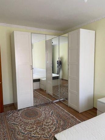 Спальный гарнитур Икеа (кровать и матрас 2м*2м, 2 тумбы, шкаф)