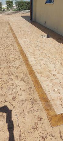 Щампован бетон и градински изделия