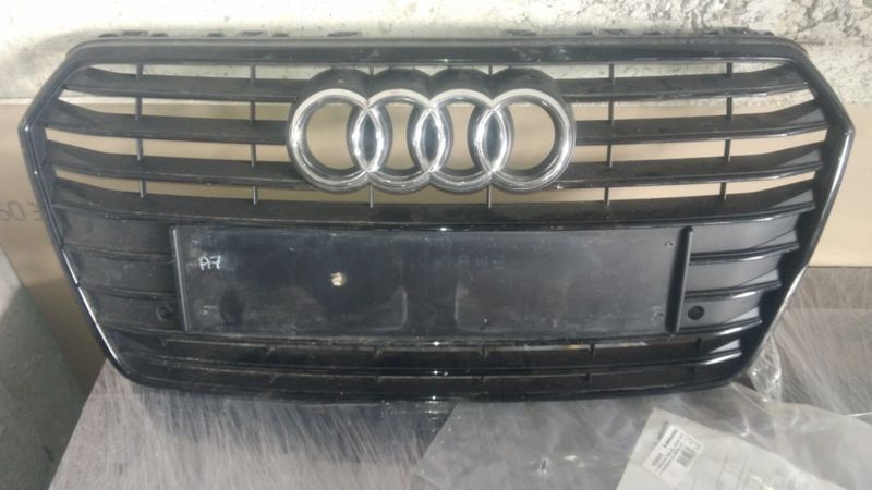 Оригинална предна решетка за Audi A7 гр. Плевен - image 1