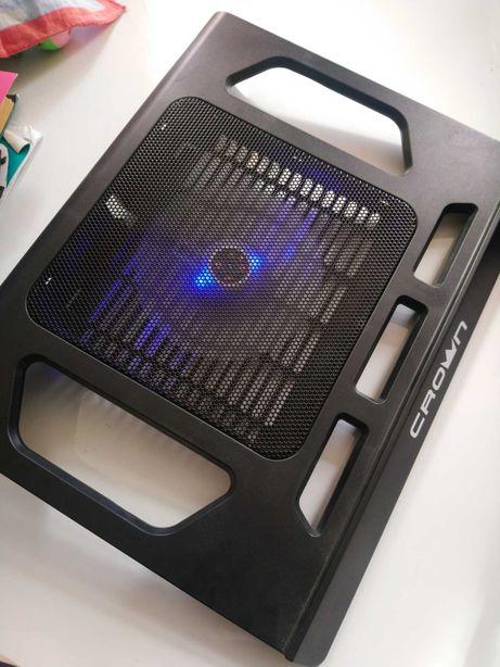 Охлаждающая подставка для ноутбука crown