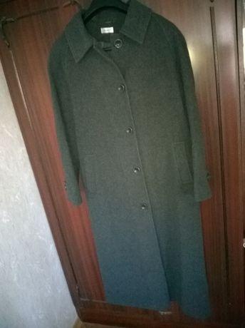 Дамско дълго вълнено палто