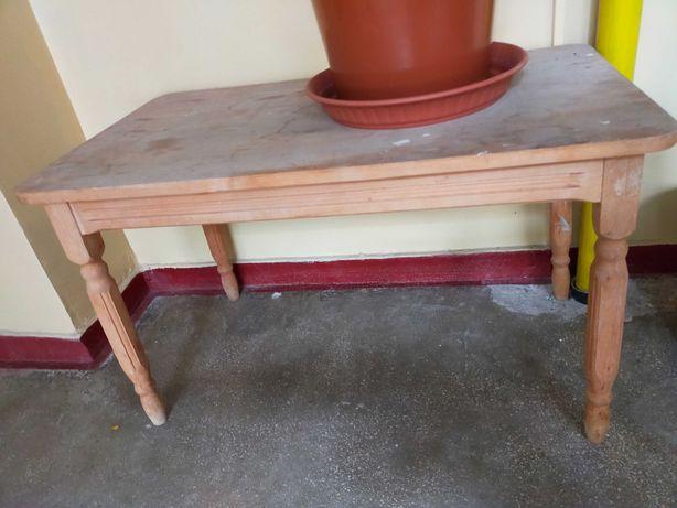 Masa din lemn brut