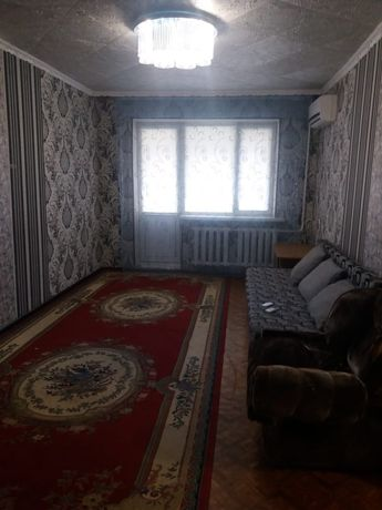 Сдам 2х комн квартру в центре города,на длительный срок семейным людям
