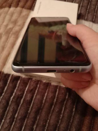 Продам Samsung А8+