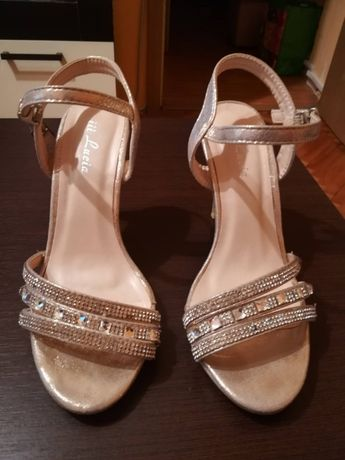 Sandale aurii marimea 36