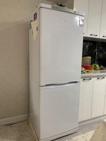 Продам холодильник в рабочем состояние недорого