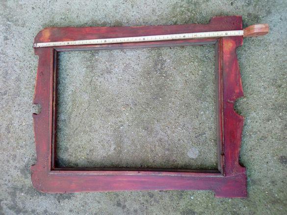 Старинна дървена рамка