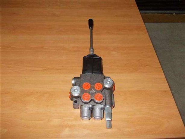 Distribuitor hidraulic 2 sectiuni cu Joystick 40 litri