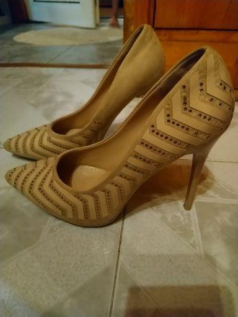 Дамски обувки 37 и 38 номер