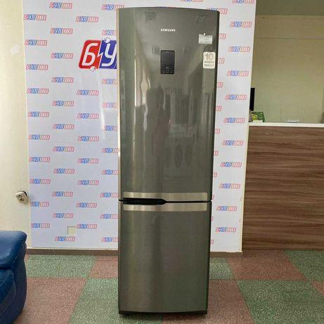 Холодильник Samsung..