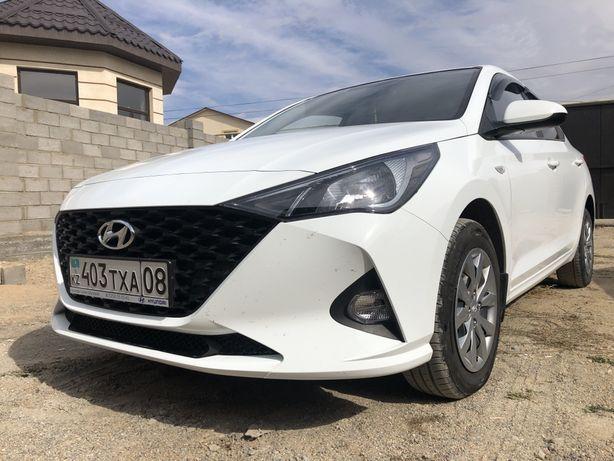 В Идеальном состоянии Hyundai Accent 2020 года.