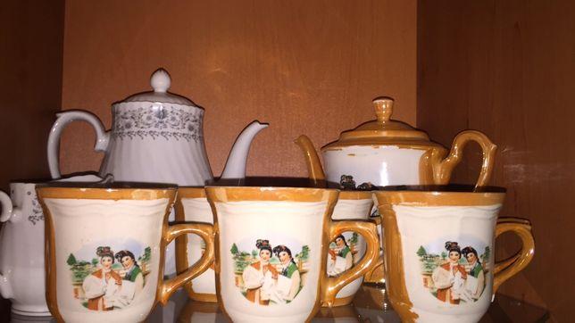 Продам  2 чайника чашки