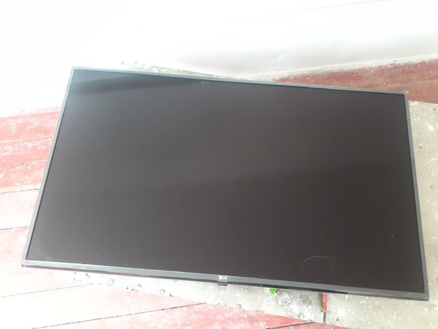 Продам телевизор LG сломан экран