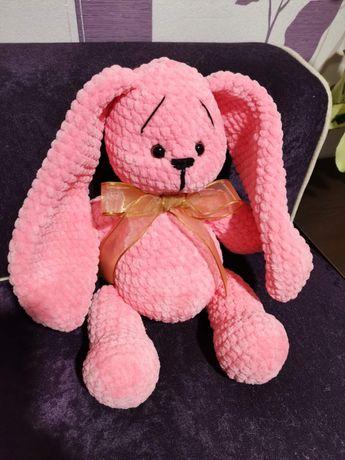 Ръчно плетено бонбонено розово зайче!