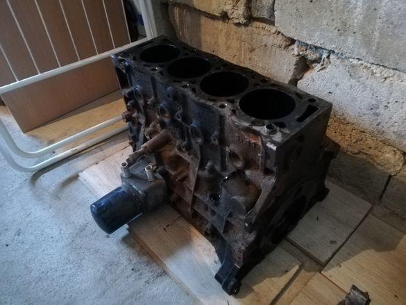 Цилиндров блок на Peugeot 307
