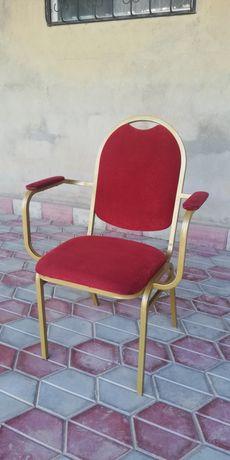 Продаются стулья металлические 19 шт.
