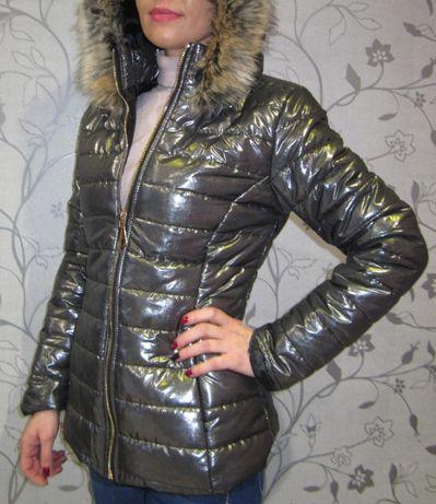 Дамско яке в цвят сив металик с качулка с пух за пролет и есен