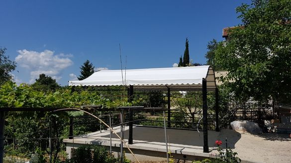 Изработка и ремонт на тенти, сенници, чохли и покривала