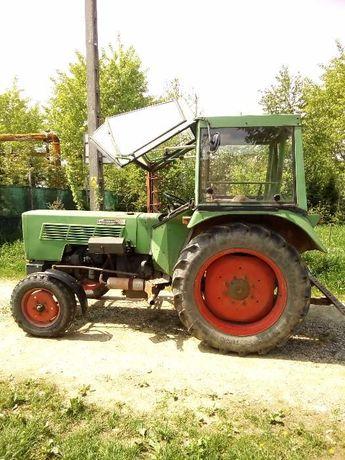 Vând tractor Fend, Tractor MF 135; Tocatoare INO;