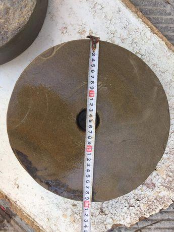 Кръгло точило от естествен камък