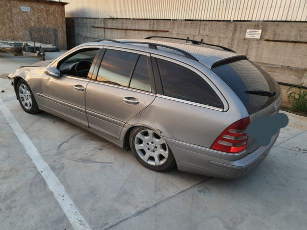 Dezmembrez Mercedes  C class 2.2 CDI Euro 4
