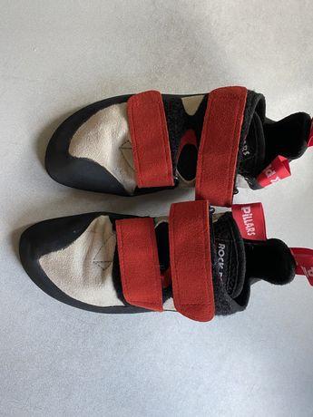 Papuci de catarat.3 perechi 199 ron
