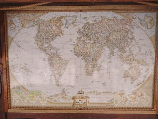 Harta lumii . Fotografie vintage . Material autcolant sau canvas .