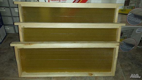 Пчелни рамки с восъчни основи
