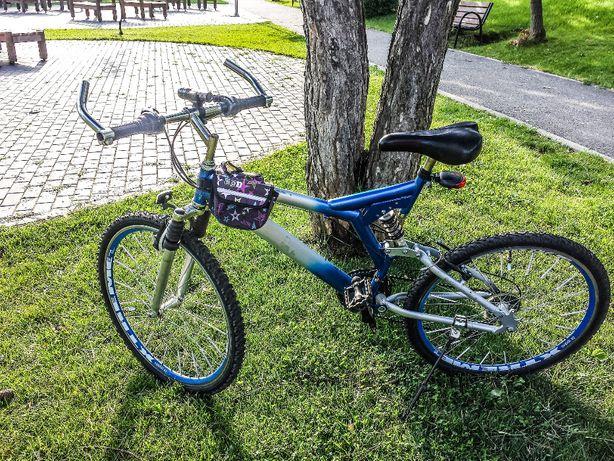 Bicicleta suspensie dubla jante duble