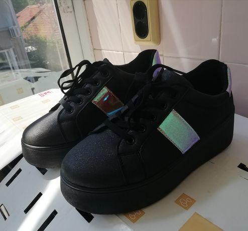 Дамски спортно-елегантни обувки Tendenz