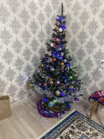 Продам новогоднюю елку без игрушек