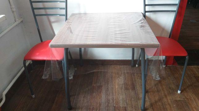 Продам столы и стулья.