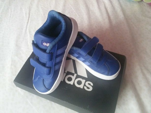 Pantofi sport Adidas NOIII