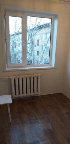 Продаю 2 комнатную квартиру в центре Пришахтинска