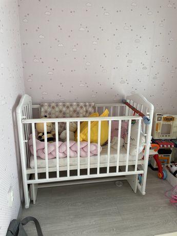 Детская кровать/ кроватка/ манеж
