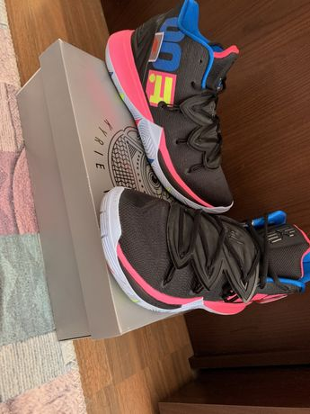 Adidasi baschet kyrie 5 just do it edition