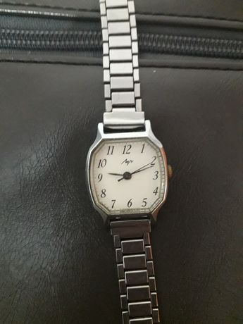 Продам женские часы СССР