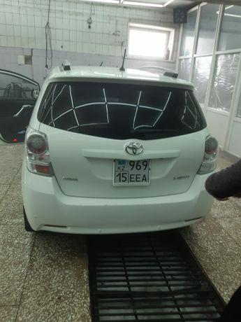 Продам Toyota 7 местный