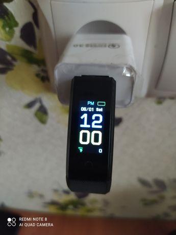 Часы фитнес трекер